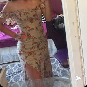 Did the shoulder dress